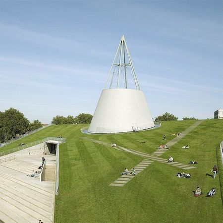 The TU Delft Library building